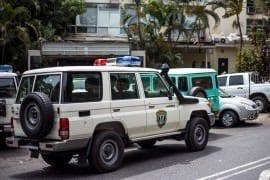 sucesos niña muerta durante intento de robo de vehículo