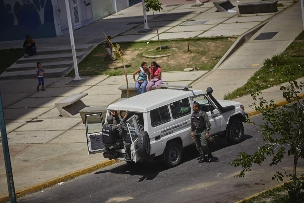 En este vehículo metieron un cargamento de productos regulados decomisados. Cristian Hernández/Crónica Uno