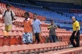 niños de la calle   estadio universitario