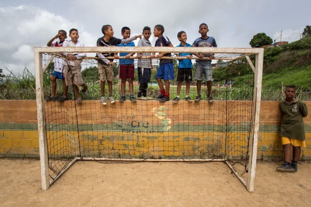 Deporte infantil en La Chaguarama, Barrio El Güinche de Petare. Crónica Uno/Cristian Hernández