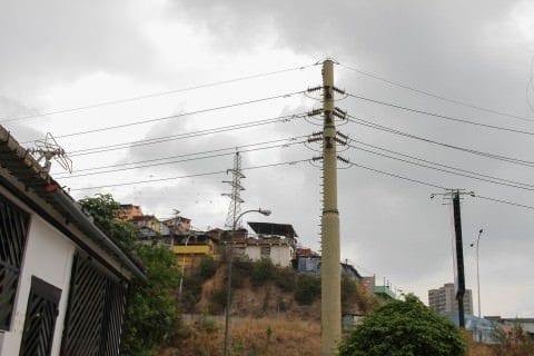 Conforman comisión de alto nivel para atender emergencia eléctrica en estados andinos