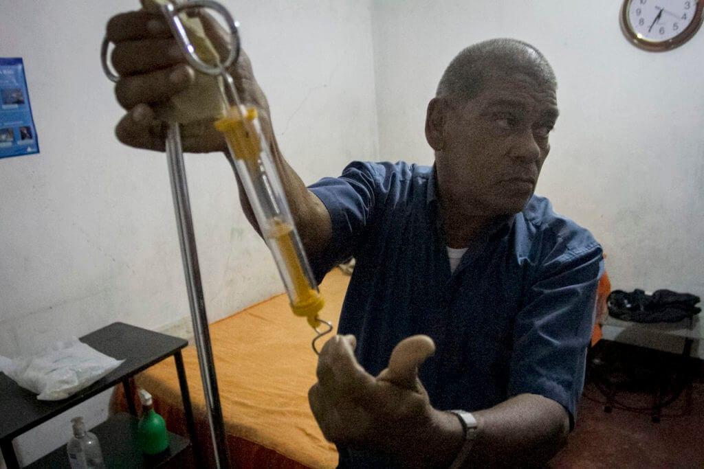 Los equipos que usa Ciro para dializarse se los dieron en Cúcuta