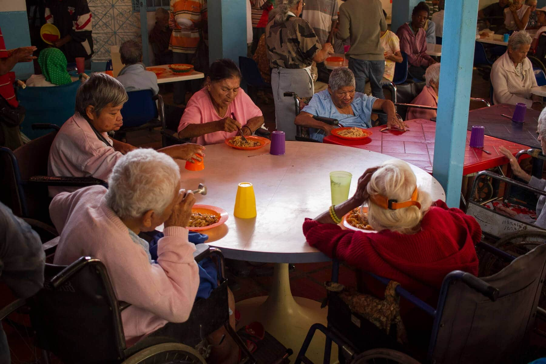 Abuelitos de la Casa Hogar Madre Teresa de Calcuta. Foto: Crónica Uno / Miguel González