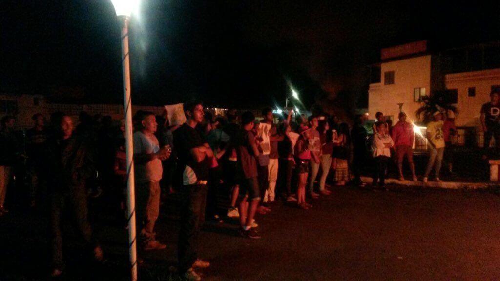 Los habitantes del pueblo se mantendrán protestando