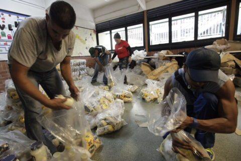 12,6 millones de personas aseguran ser beneficiaras de planes de alimentación del Gobierno