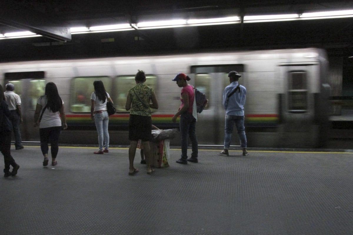 En menos de una semana lanzan dos bombas lacrimógenas en el Metro de Caracas