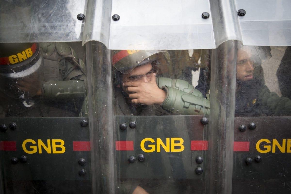 Robaron fusiles AK-103 a dos GNB en Las Adjuntas