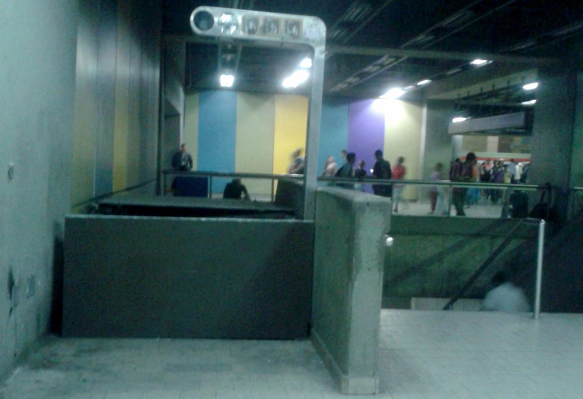 Metro Escaleras