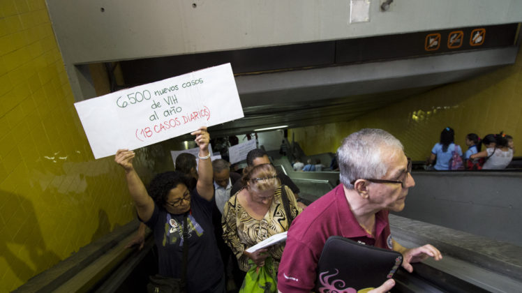 20171201-Protesta-VIH-catia-metro-centro-9-748x420.jpg