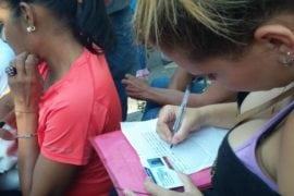Vecinos de Maracay reclaman pago de bono electoral 2017