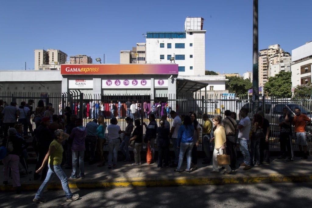 Fidcalizacion Gama Express, galletas y Santal. Fotos: Francisco Bruzco