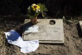La violencia encarece los costos de los sepelios