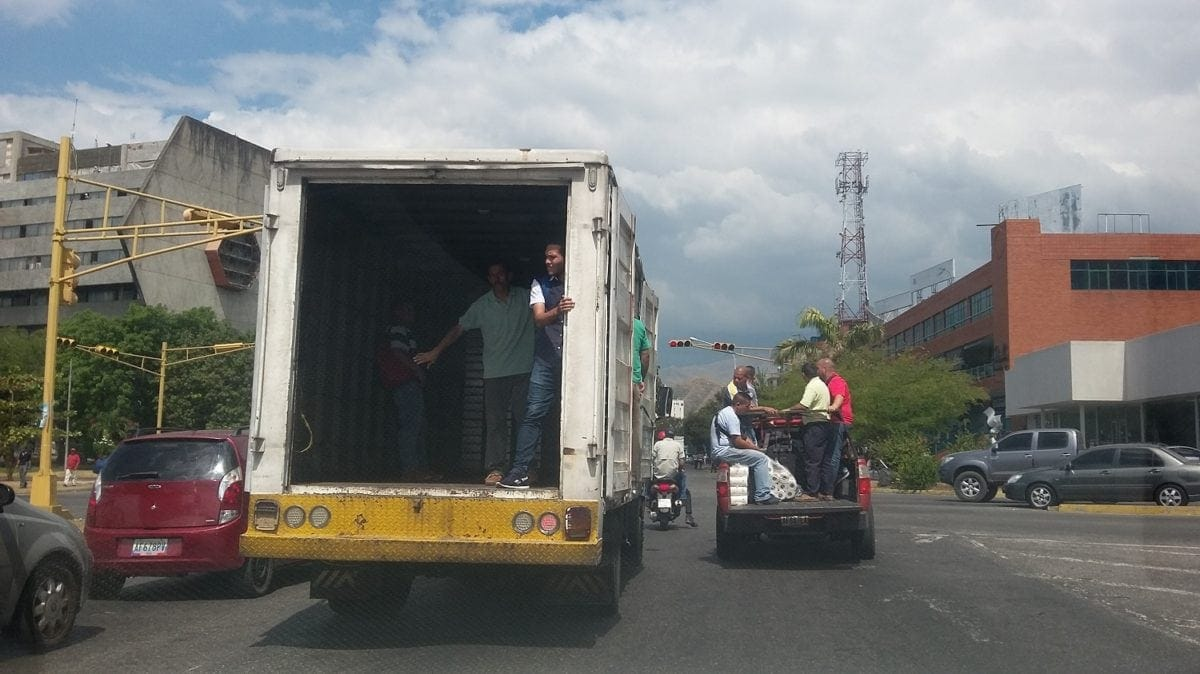 Transportistas de Aragua levantan el paro y aumentan el pasaje