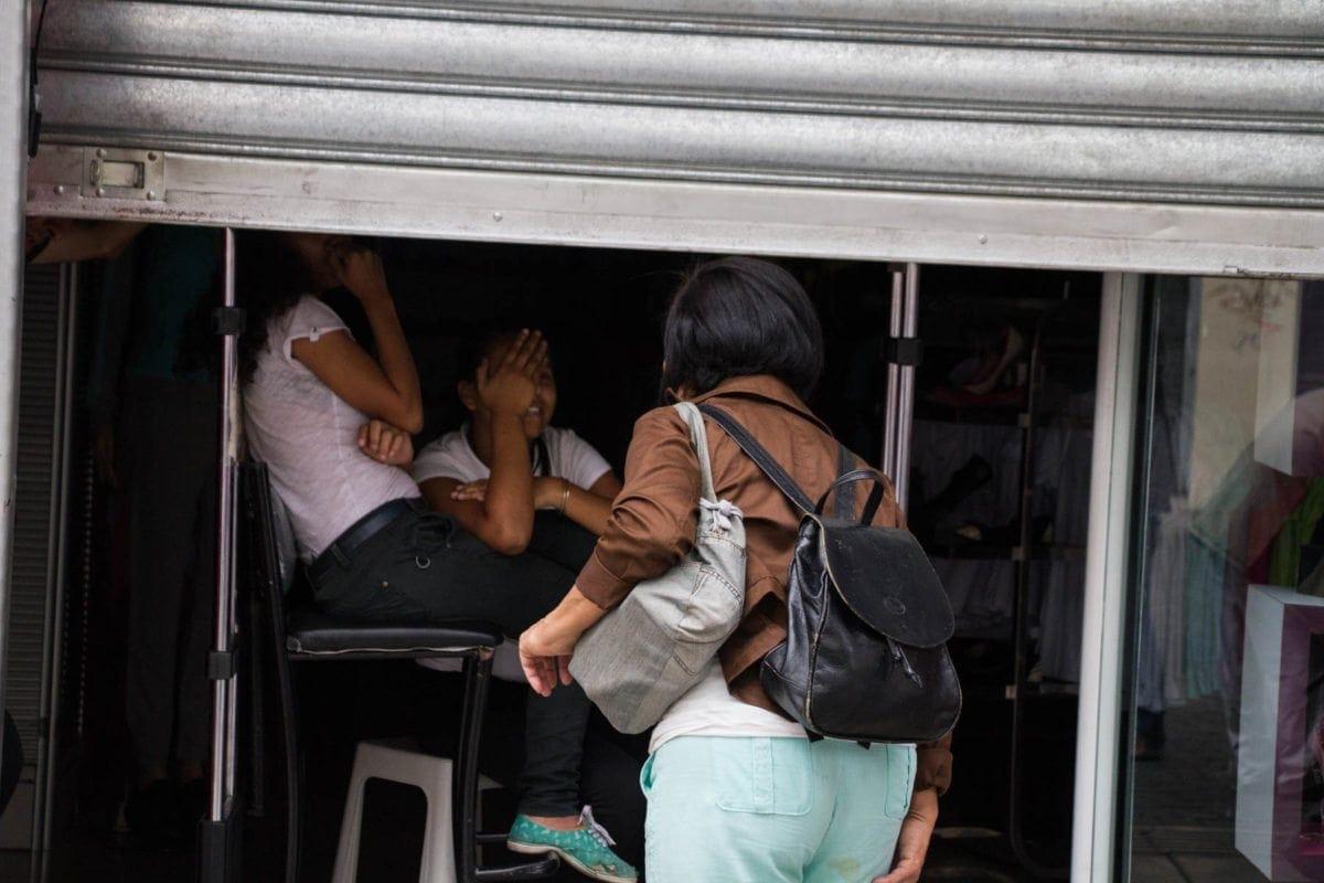 Reportan fallas de luz en varias zonas del oeste de Caracas