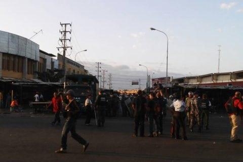 GNB decomisó 120 millones de bolívares en efectivo en el mercado Las Pulgas de Maracaibo