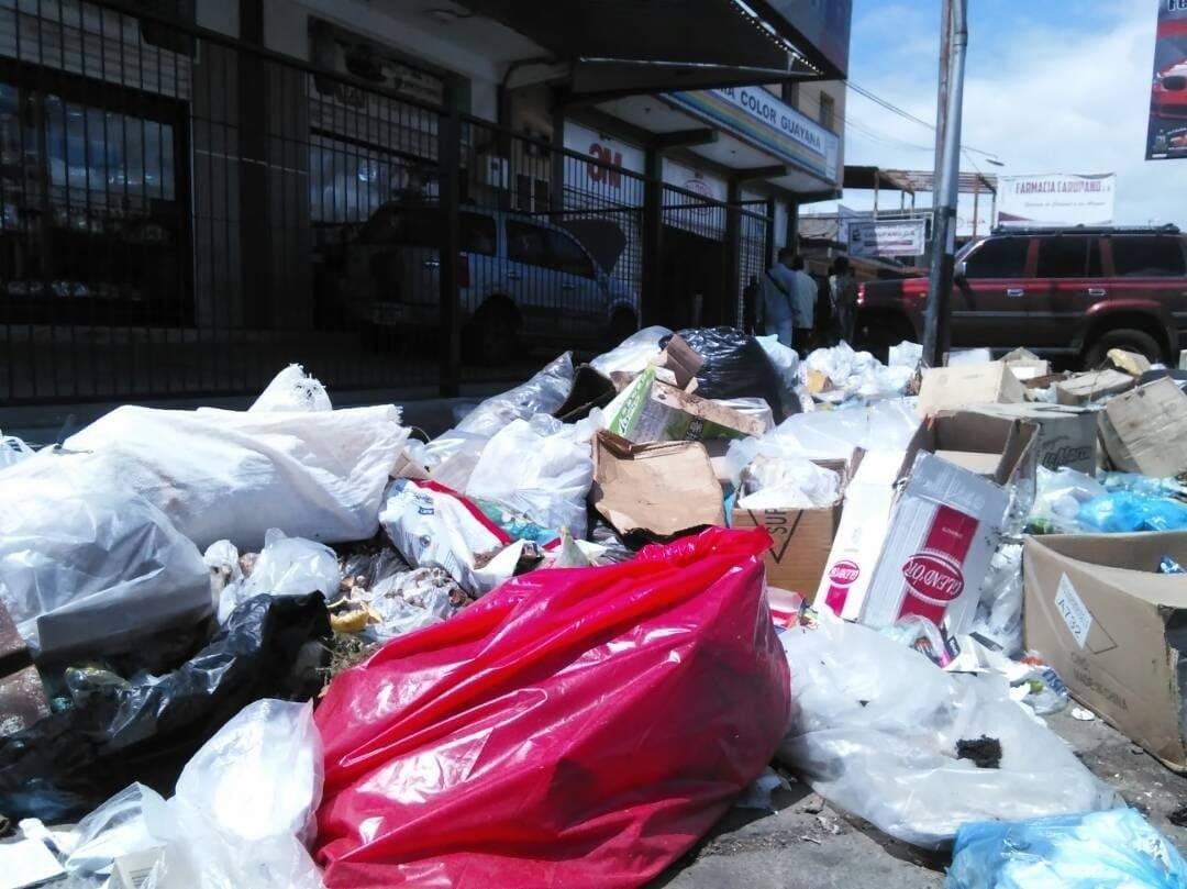 La basura en las calles de Puerto Ordaz se tragó las promesas de una ciudad limpia
