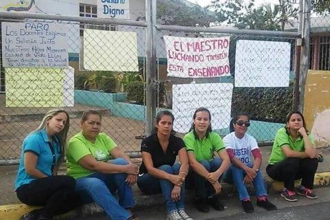 Huelga de 48 horas obliga a gobernador de Bolívar a reunirse con maestros