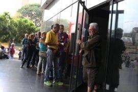 En varias agencias bancarias los pensionados no recibieron sus pagos por falta de efectivo