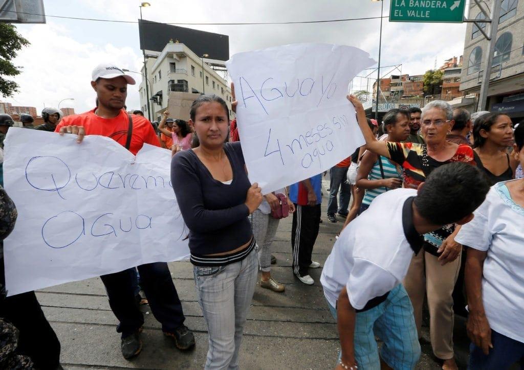Protesta por agua en La Bandera, 11-05-2018, Fotograf¿as: Juan Luis Clemente