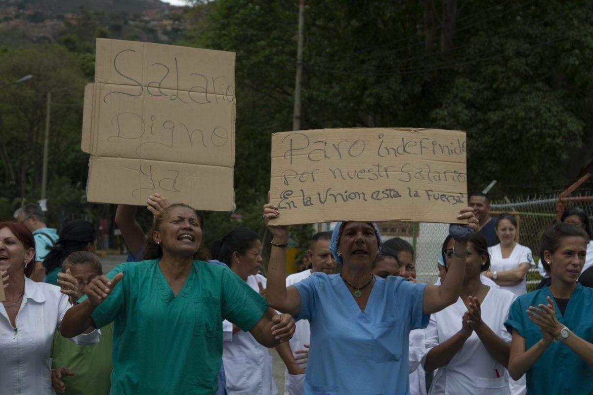 10 sueldos mínimos | trabajadores de la salud