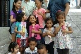 Recolectan 700 juguetes para niños en extrema pobreza