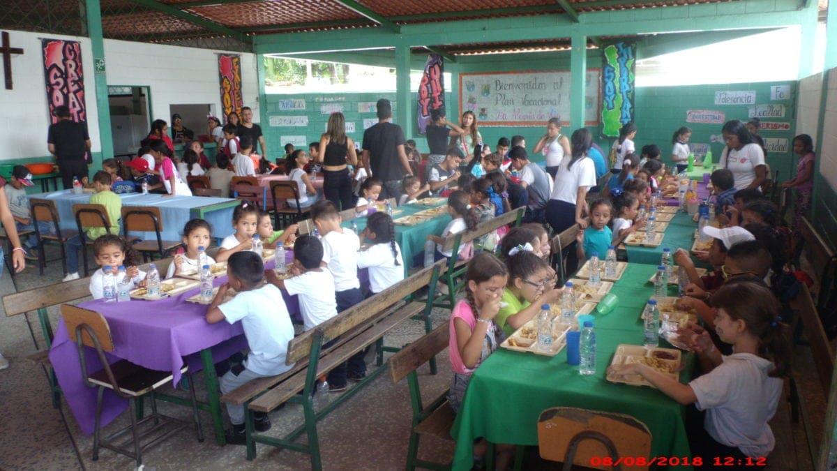 Fe y Alegría se convierte en escuelas solidarias