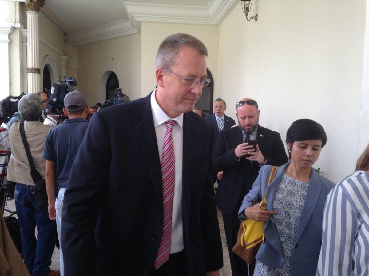 Encargado de negocios de EEUU en Venezuela, ofreció charla en la AN sobre elecciones y democracia