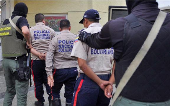 policias-detenidos.foto-referencial-576x360.jpg