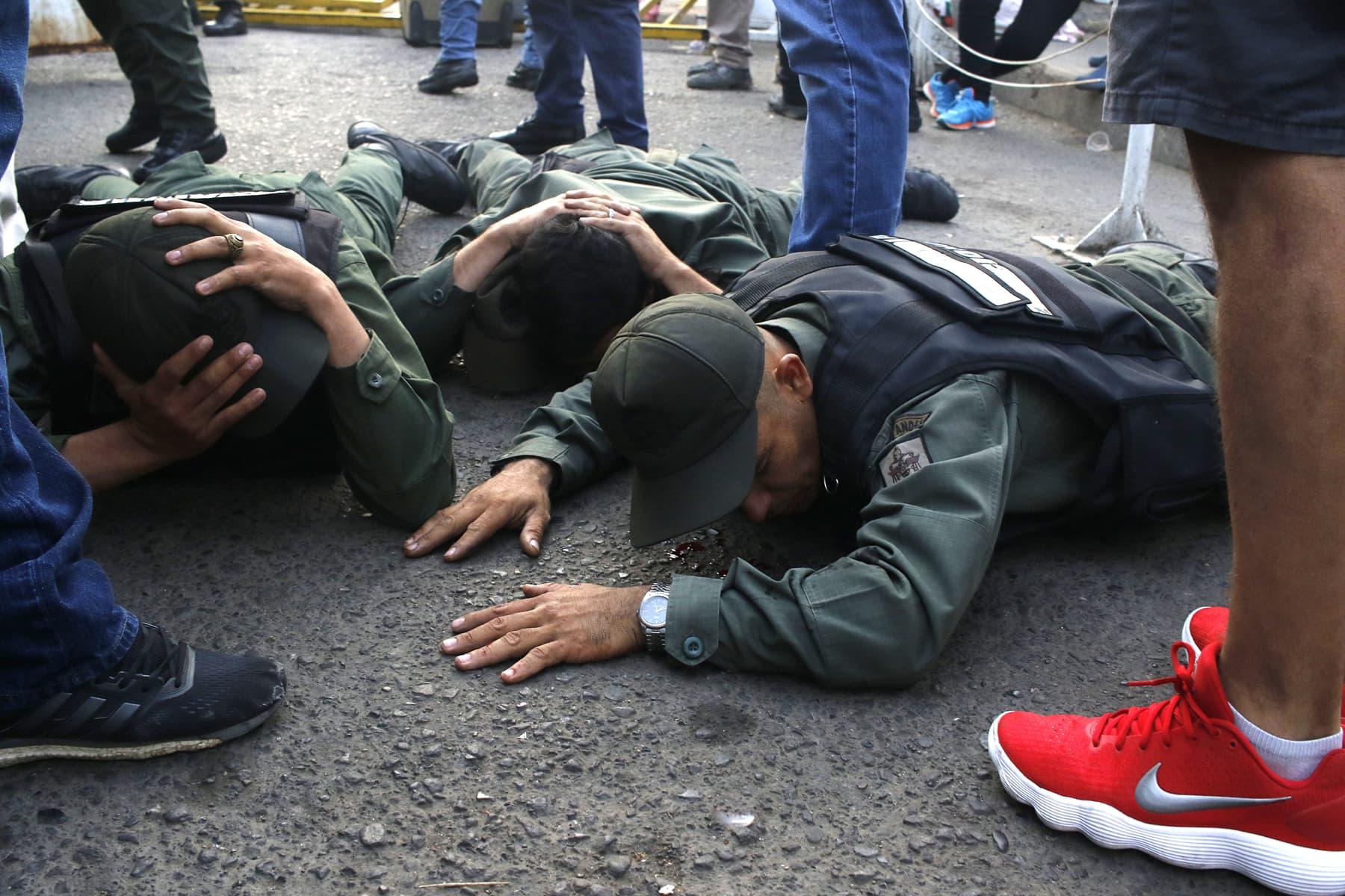 Militares venezolanos en Colombia