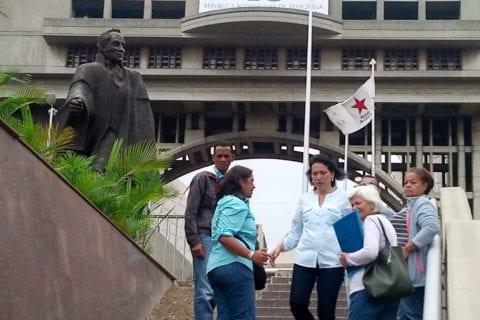 En la foro las ex concejalas Kadary Rondón y Aixa López
