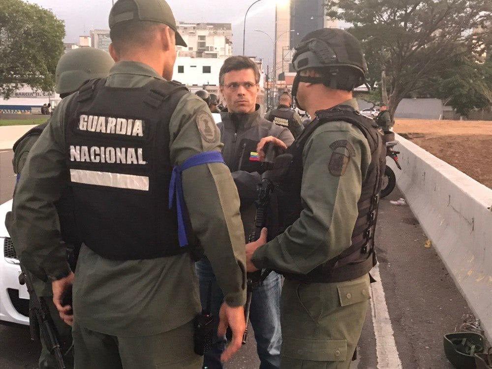 militares detenidos