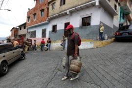 Venezolanos sin gas