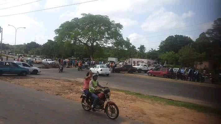 Escasez de gasolina en Bolívar