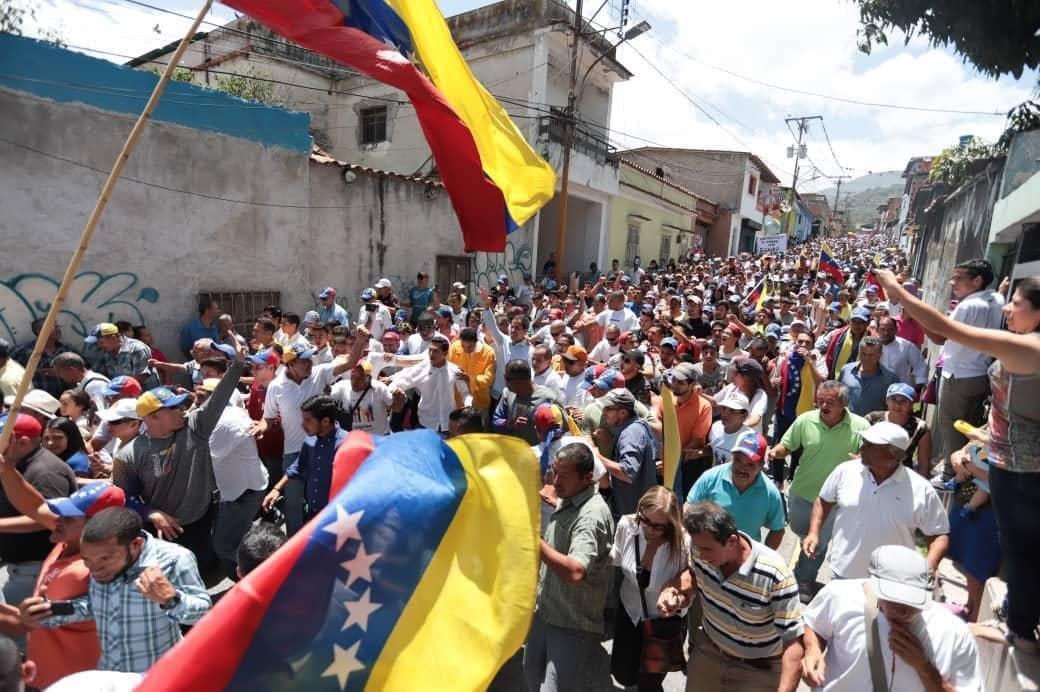 Guaidó denunció la detención y posible tortura de dos custodios