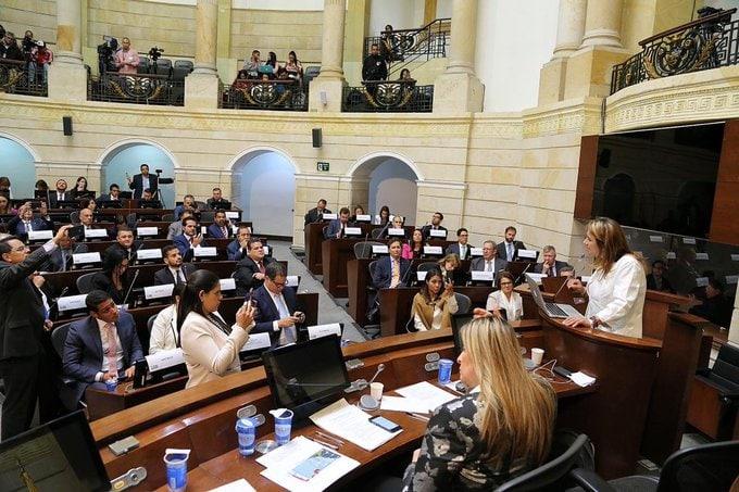 diputados-perseguidos-colombia-cronica-uno