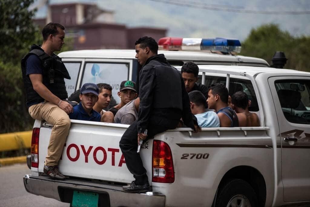 Cuerpos de seguridad efectuaron un operativo en la Cota 905, territorio Zona de Paz. Los funcionarios se enfrentaron a las bandas del sector. Cristian Hernández/Crónica Uno