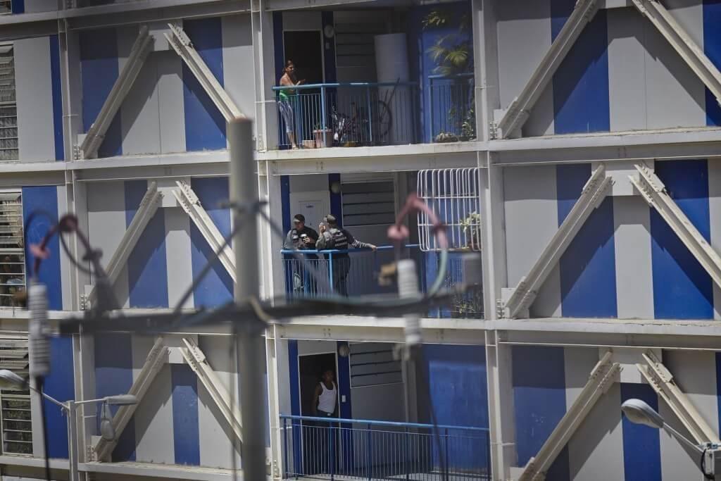 Efectivos de seguridad tomaron los edificios de la Misión Vivienda de la urbanización Juan Pablo II en Montalban, Parroquia La Vega. Cristian Hernández/Crónica Uno