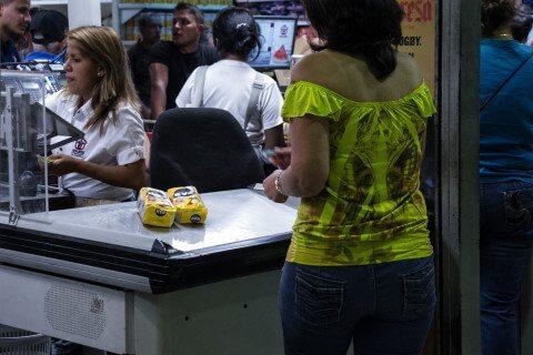 Los sistemas de los supermercados ya no soportan tantos ceros