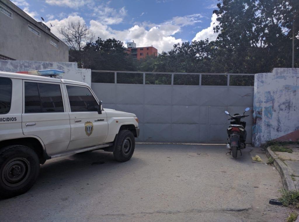 asesinaron a maestra dentro de escuela en Guarenas