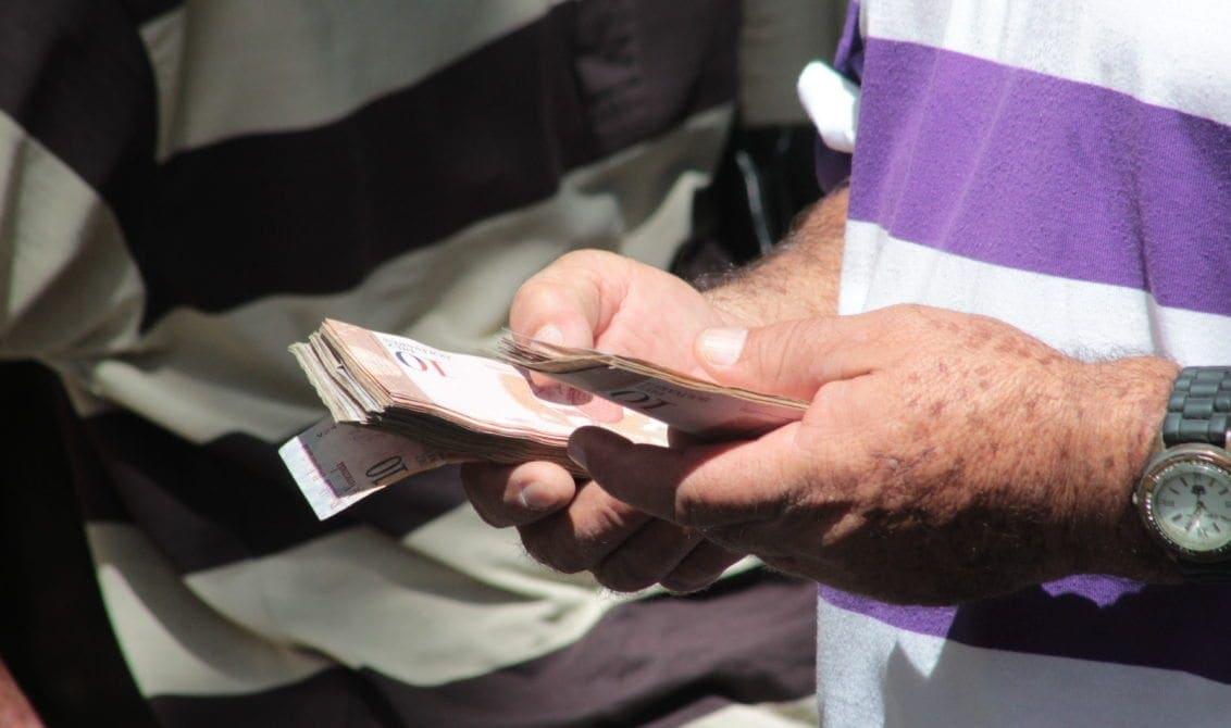 Posponen para el 20 de agosto reconversión monetaria que ahora eliminará 5 ceros