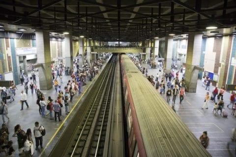 Fuerte retraso en el Metro de Caracas la mañana de este miércoles