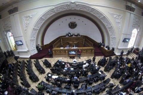 Asamblea Nacional: Maduro amenazó pero no habló de los problemas de la gente   Parlamento pide a la ONU no enviar observadores a elecciones sin garantías en Venezuela