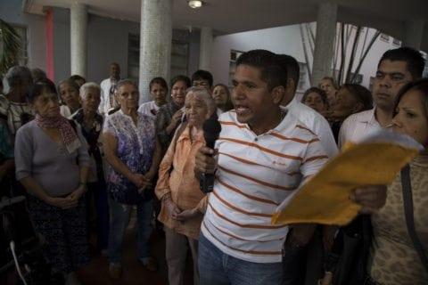 VIDEOS Trabajadores y jubilados del Clínico Universitario en pie de lucha por incumplimiento del contrato